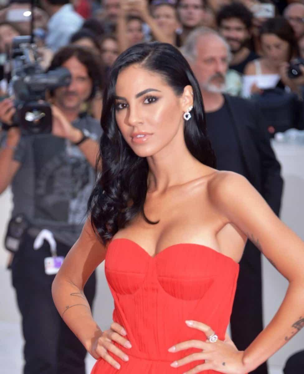 Karina Cascella, dopo aver saputo degli attacchi aGiulia e Cristiano, ha difeso a spada tratta l'influencer tramite una Instagram stories.